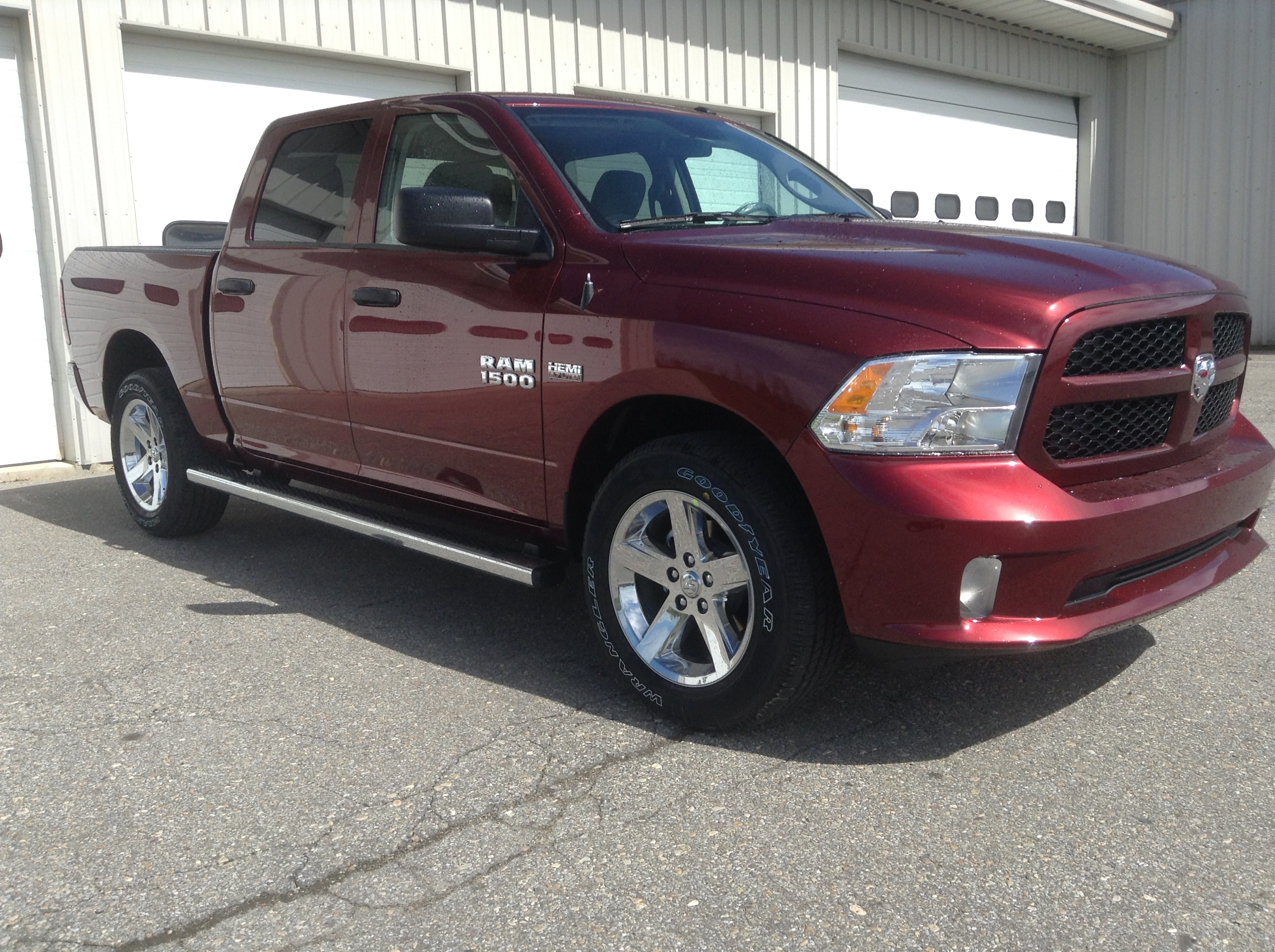 2017 Ram 1500 Crew Cab 4x4 Pickup #TK4917 - photo 4