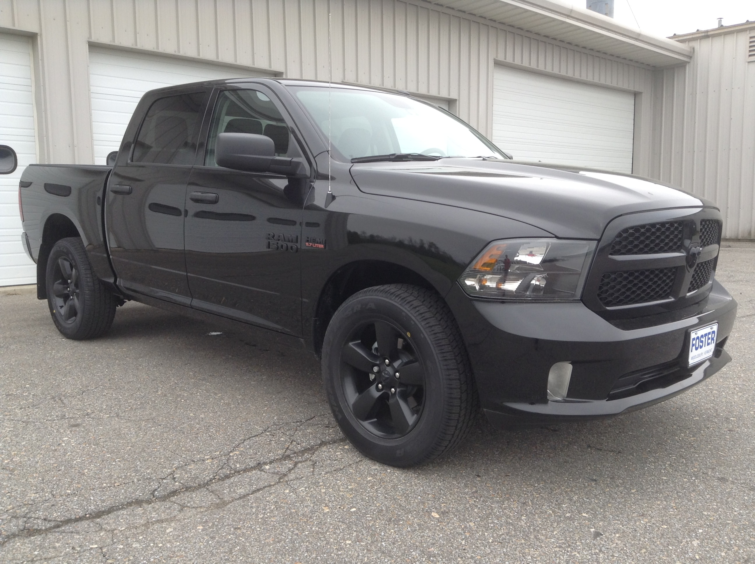 2017 Ram 1500 Crew Cab 4x4 Pickup #TK7317 - photo 4