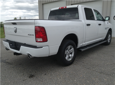 2017 Ram 1500 Crew Cab 4x4, Pickup #TK7817 - photo 6