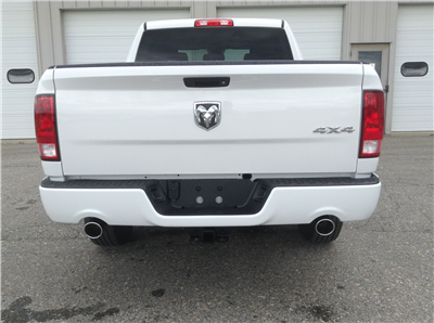 2017 Ram 1500 Crew Cab 4x4 Pickup #TK7817 - photo 7