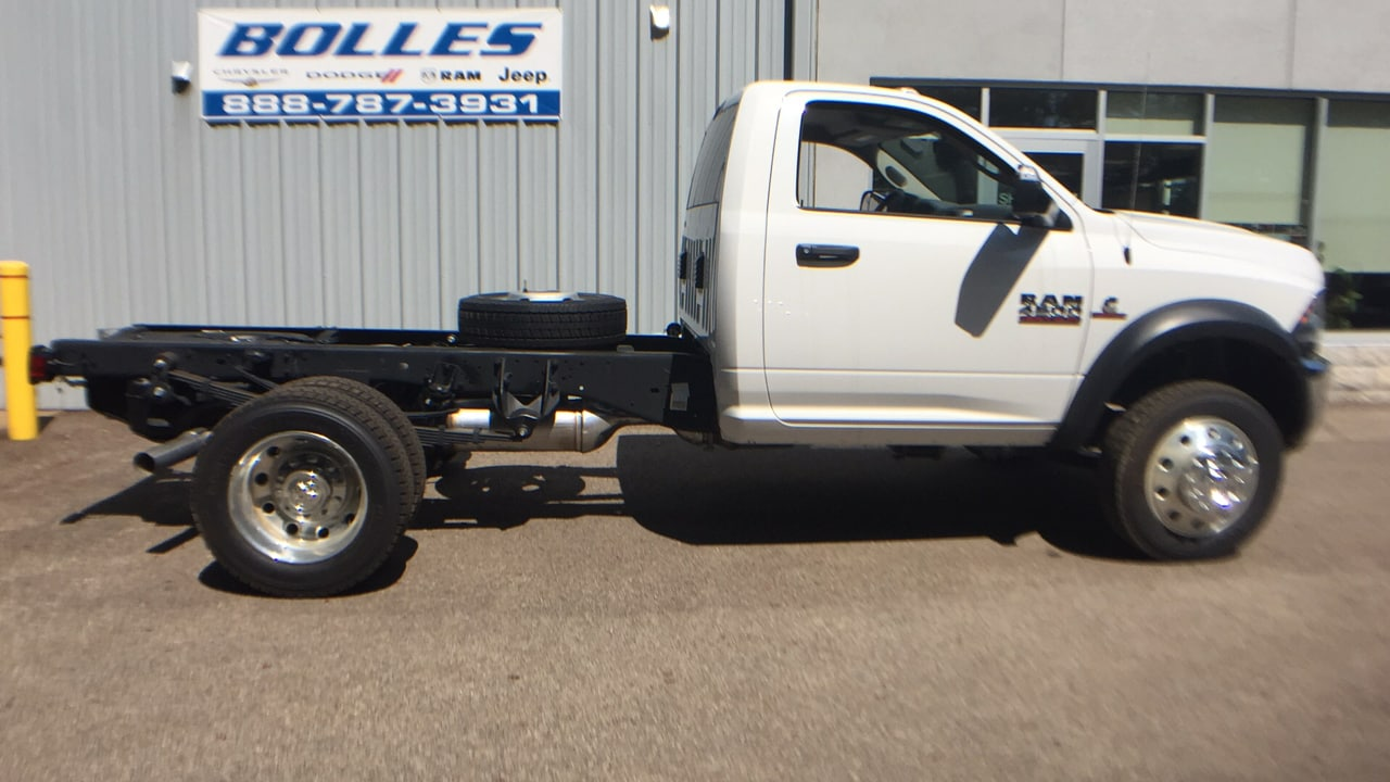 2017 Ram 4500 Regular Cab DRW, Cab Chassis #HG598715 - photo 3