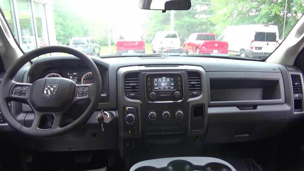 2017 Ram 1500 Crew Cab 4x4,  Pickup #HS608217 - photo 3