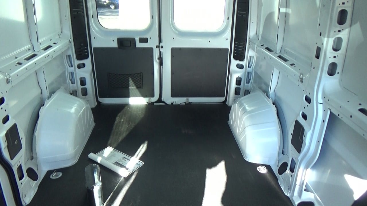 2018 ProMaster 1500 Standard Roof FWD,  Empty Cargo Van #JE148543 - photo 17