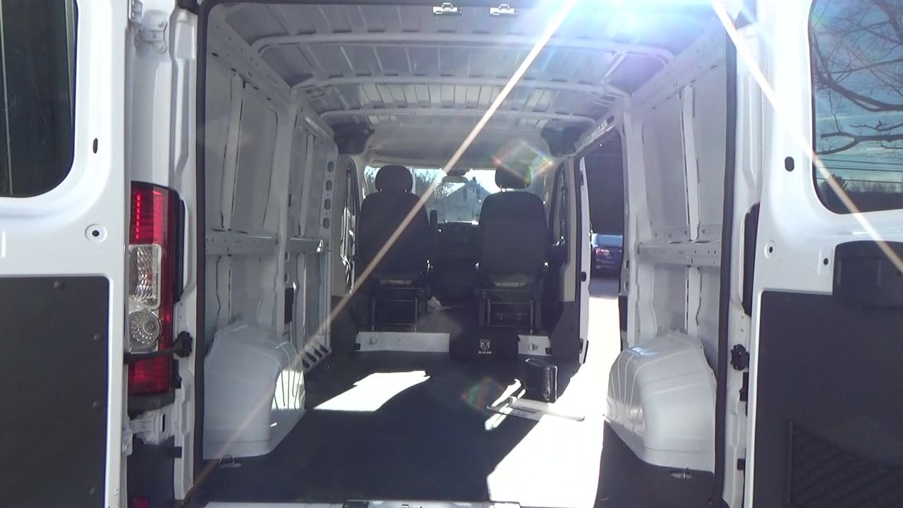 2018 ProMaster 1500 Standard Roof FWD,  Empty Cargo Van #JE148543 - photo 2