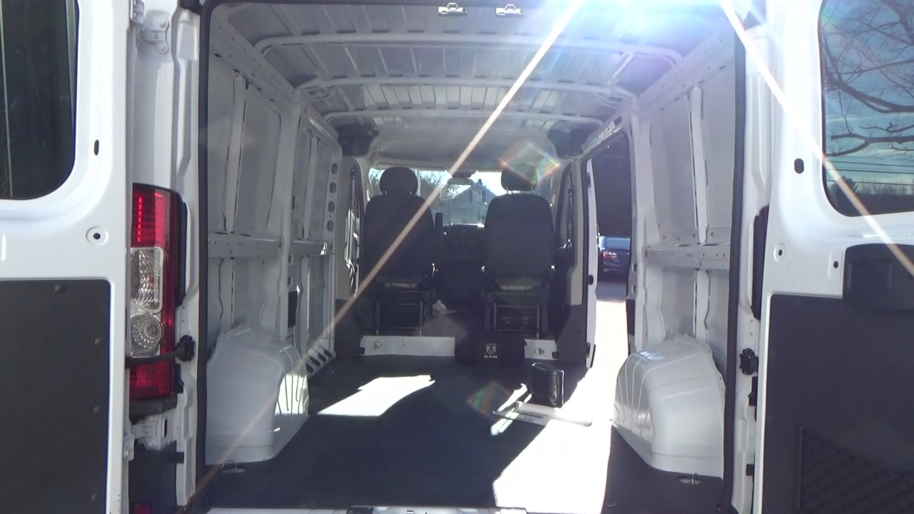 2018 ProMaster 1500 Standard Roof FWD,  Empty Cargo Van #JE150340 - photo 2