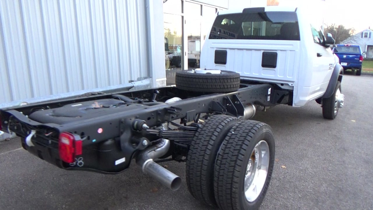 2018 Ram 4500 Regular Cab DRW 4x4,  Cab Chassis #JG234062 - photo 4
