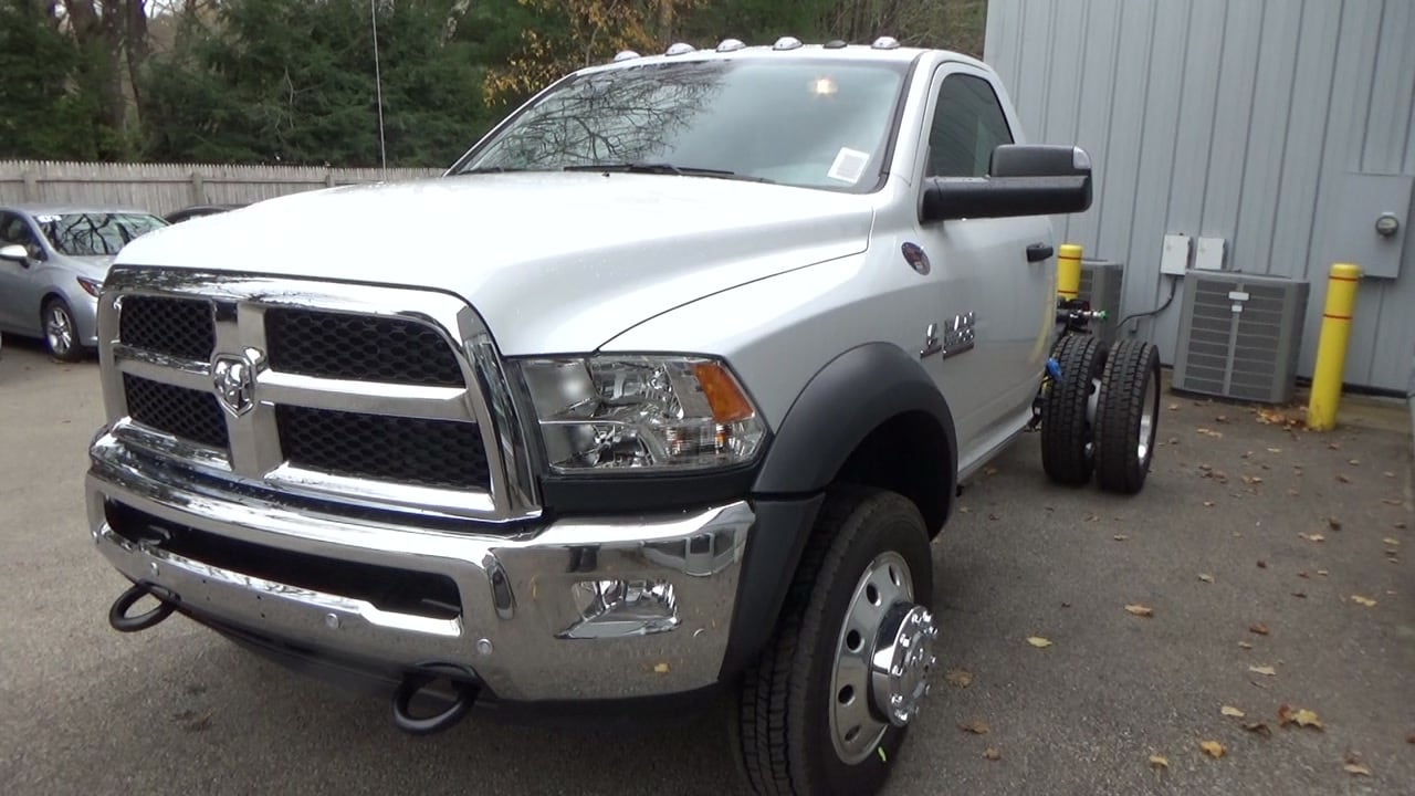 2018 Ram 5500 Regular Cab DRW 4x4,  Cab Chassis #JG317680 - photo 6