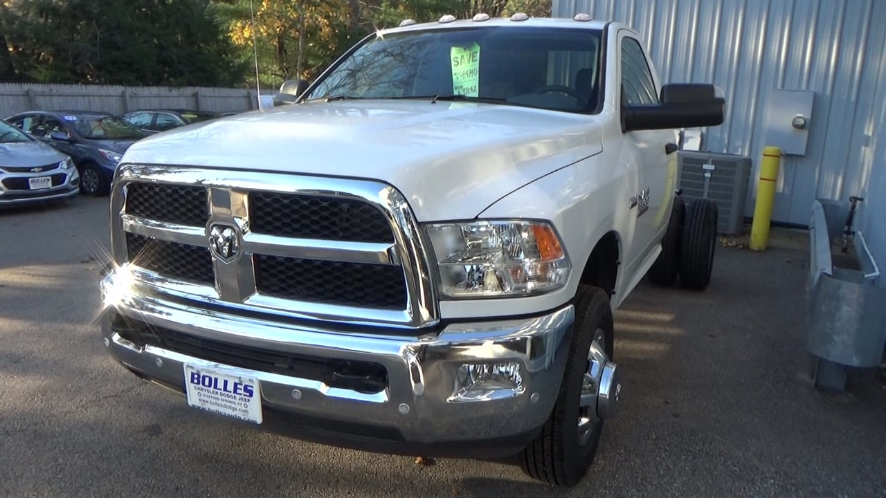 2018 Ram 3500 Regular Cab DRW 4x4,  Cab Chassis #JG355677 - photo 3