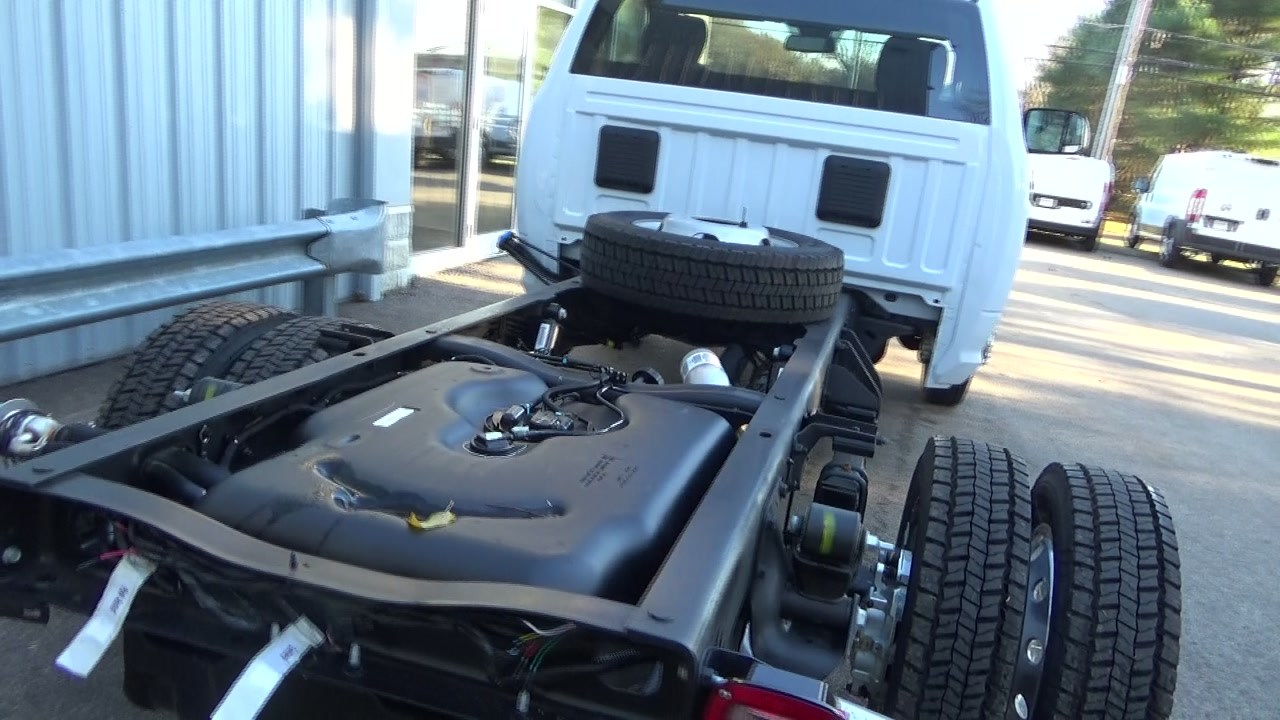2018 Ram 4500 Regular Cab DRW 4x4,  Cab Chassis #JG407083 - photo 3