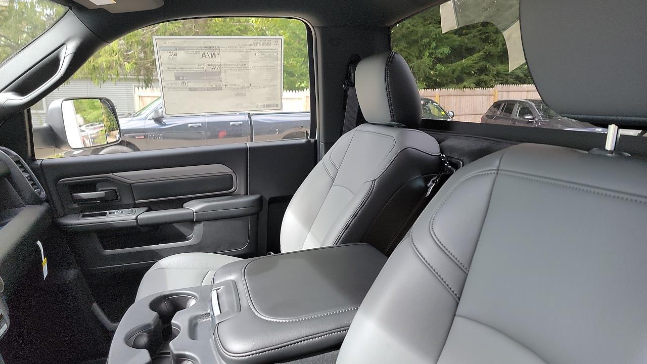 2021 Ram 3500 Regular Cab DRW 4x4,  Cab Chassis #MG694474 - photo 7