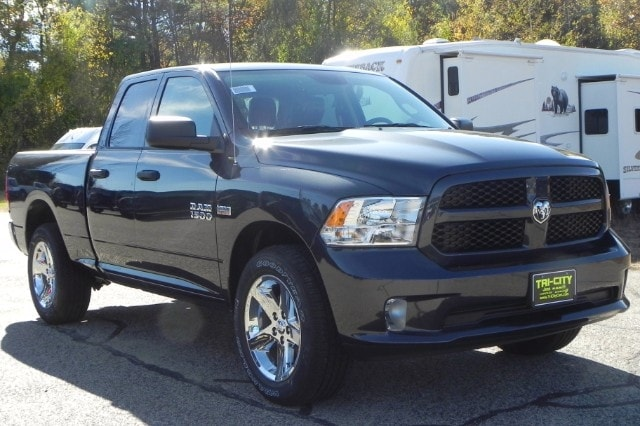 2018 Ram 1500 Quad Cab 4x4 Pickup #218059 - photo 3