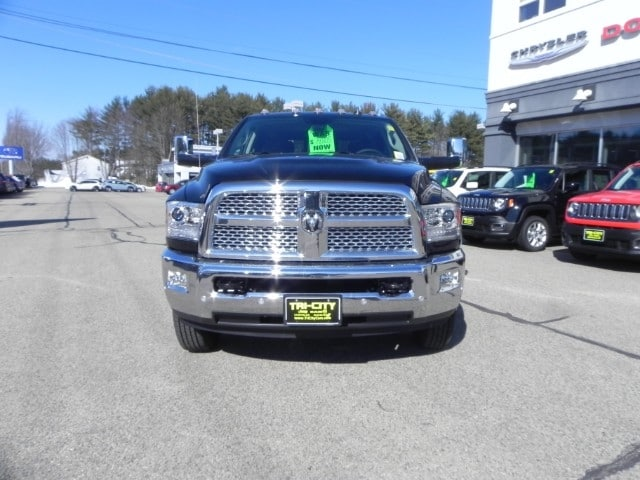 2018 Ram 3500 Crew Cab DRW 4x4, Pickup #218321 - photo 3