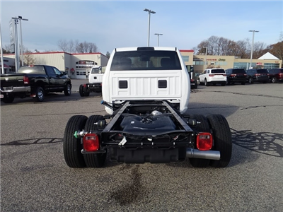 2018 Ram 3500 Regular Cab DRW 4x4 Cab Chassis #8RA04681 - photo 2