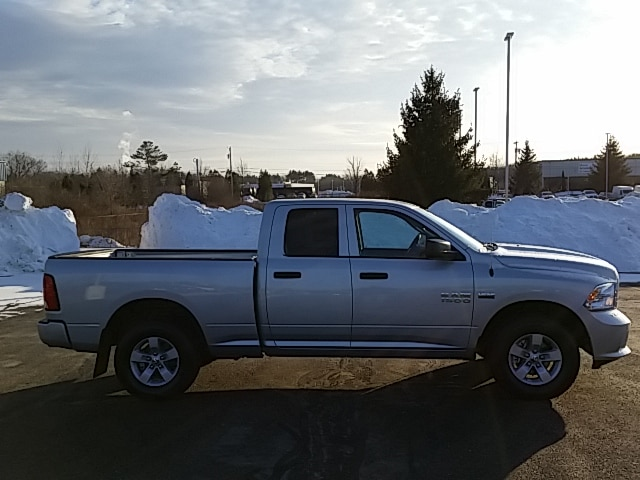 2018 Ram 1500 Quad Cab 4x4 Pickup #8RA90527 - photo 4