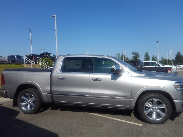 2019 Ram 1500 Crew Cab 4x4,  Pickup #9RA34277 - photo 4