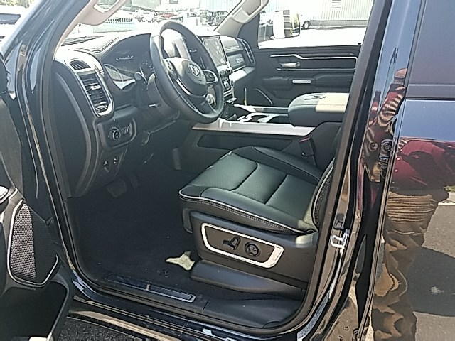 2019 Ram 1500 Crew Cab 4x4,  Pickup #9RA52389 - photo 5