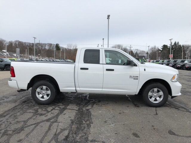 2019 Ram 1500 Quad Cab 4x4,  Pickup #9RA54076 - photo 4