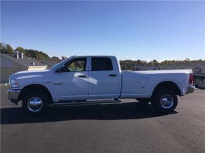 2018 Ram 3500 Crew Cab DRW 4x4 Pickup #JC0067 - photo 3