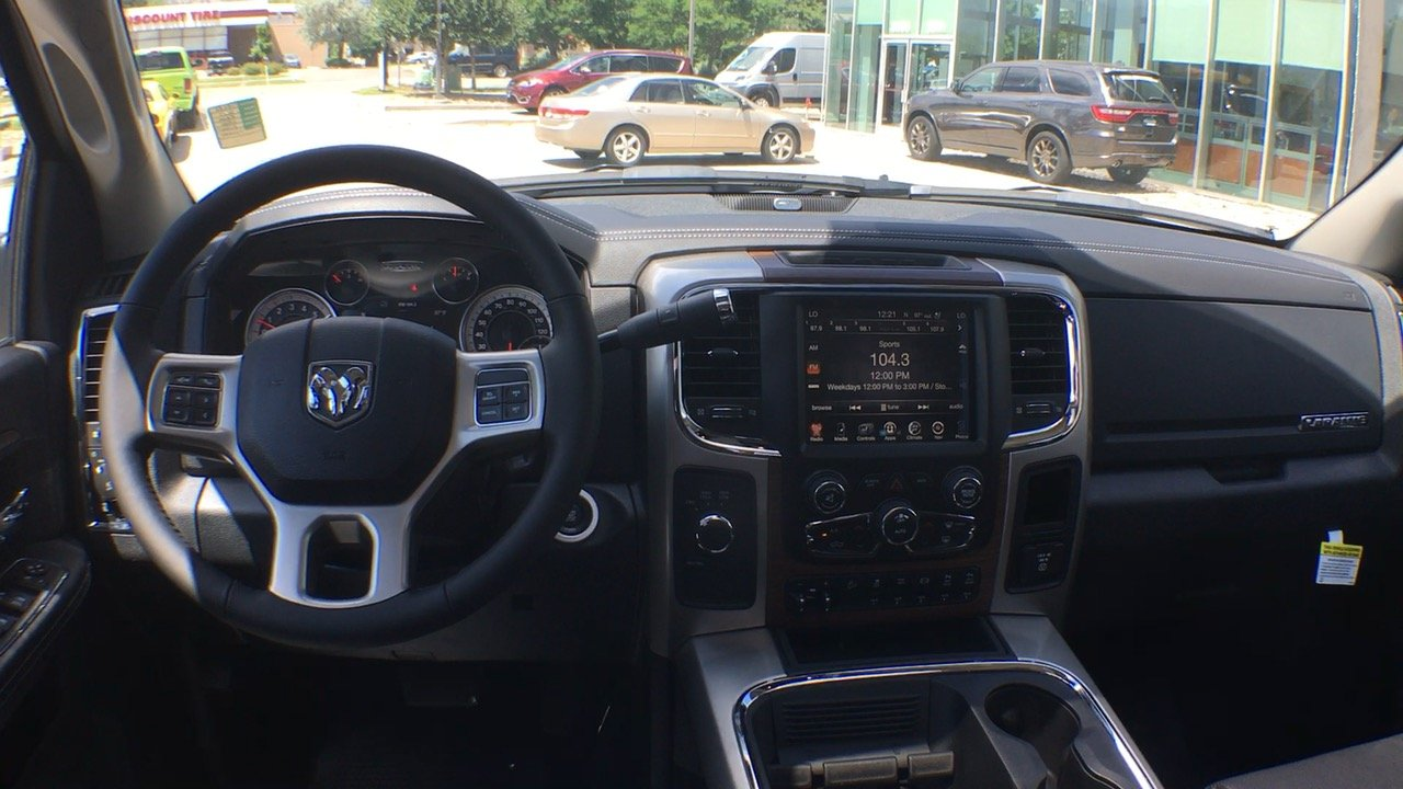 2017 Ram 2500 Crew Cab 4x4, Pickup #15280 - photo 28
