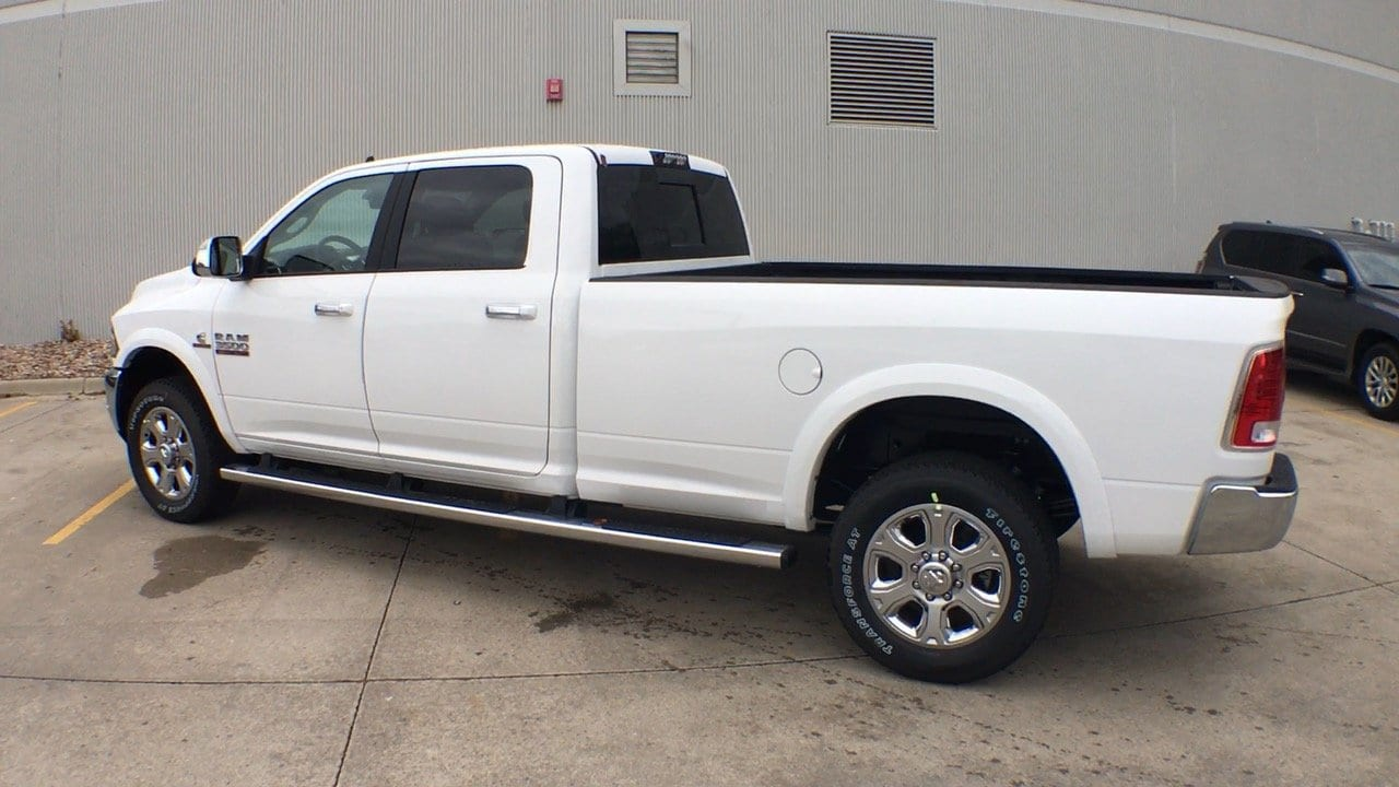 2018 Ram 3500 Crew Cab 4x4, Pickup #15304 - photo 2