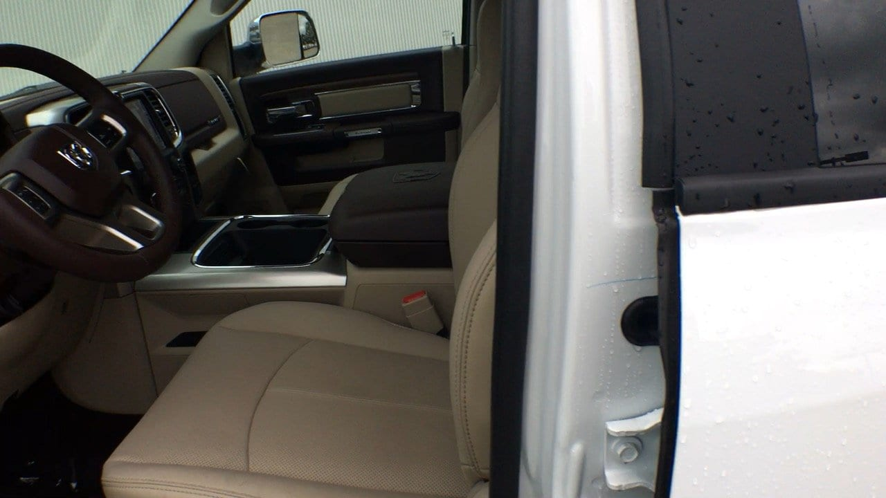 2018 Ram 3500 Crew Cab 4x4, Pickup #15304 - photo 15