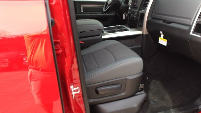 2018 Ram 1500 Crew Cab 4x4, Pickup #15330 - photo 93