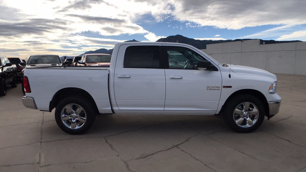 2017 Ram 1500 Crew Cab 4x4, Pickup #15346 - photo 8
