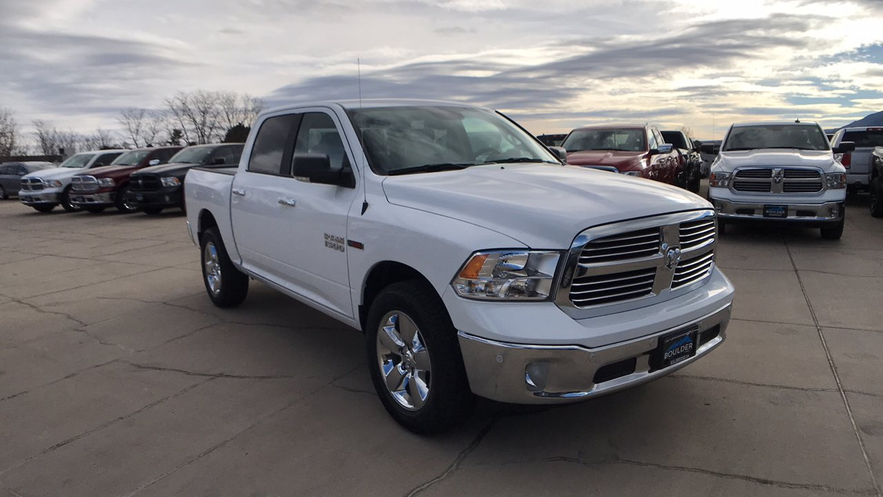2017 Ram 1500 Crew Cab 4x4, Pickup #15346 - photo 9