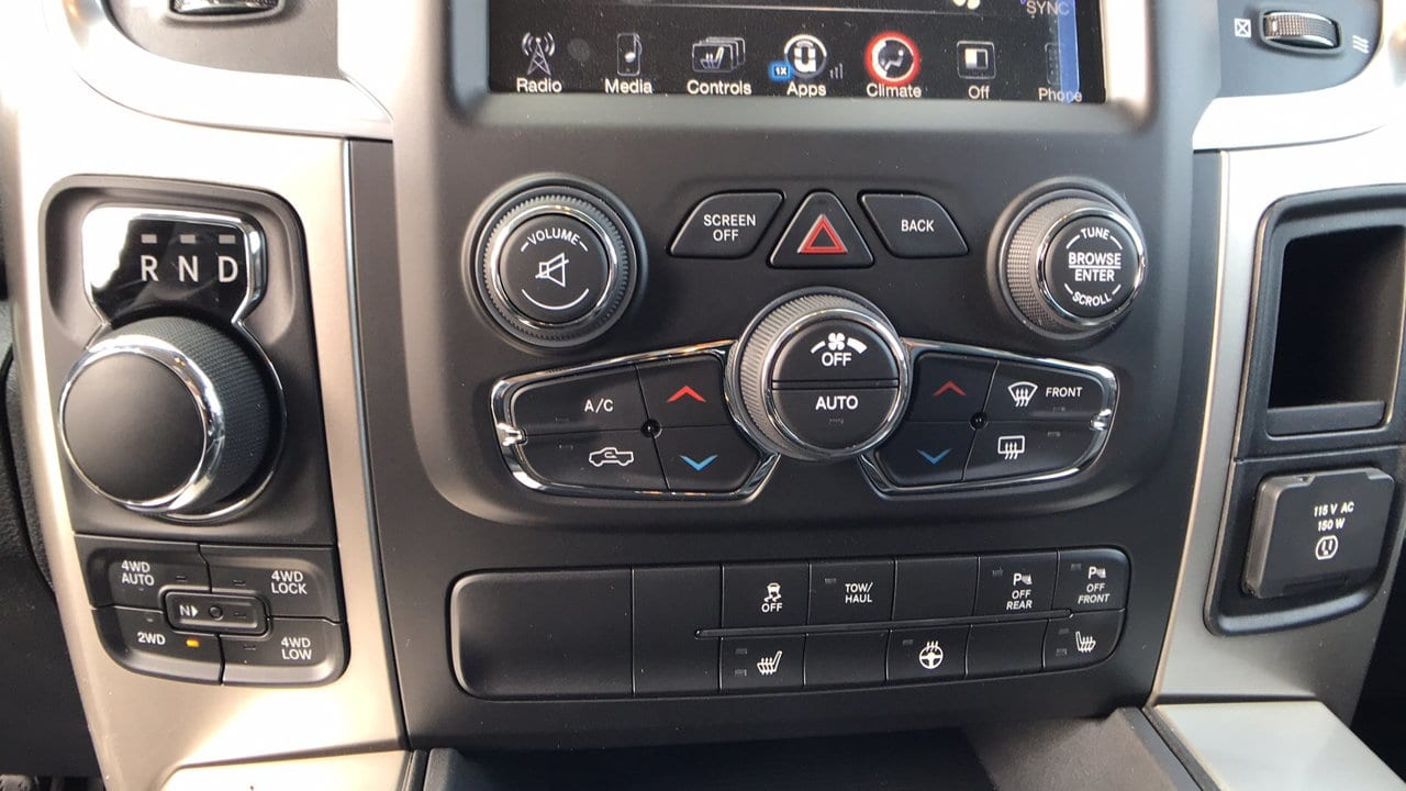 2017 Ram 1500 Crew Cab 4x4, Pickup #15346 - photo 20