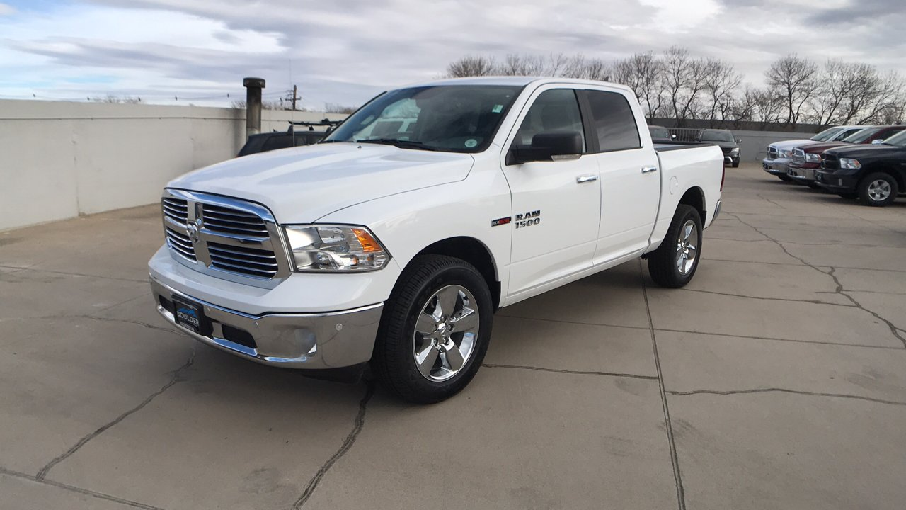 2017 Ram 1500 Crew Cab 4x4, Pickup #15346 - photo 1