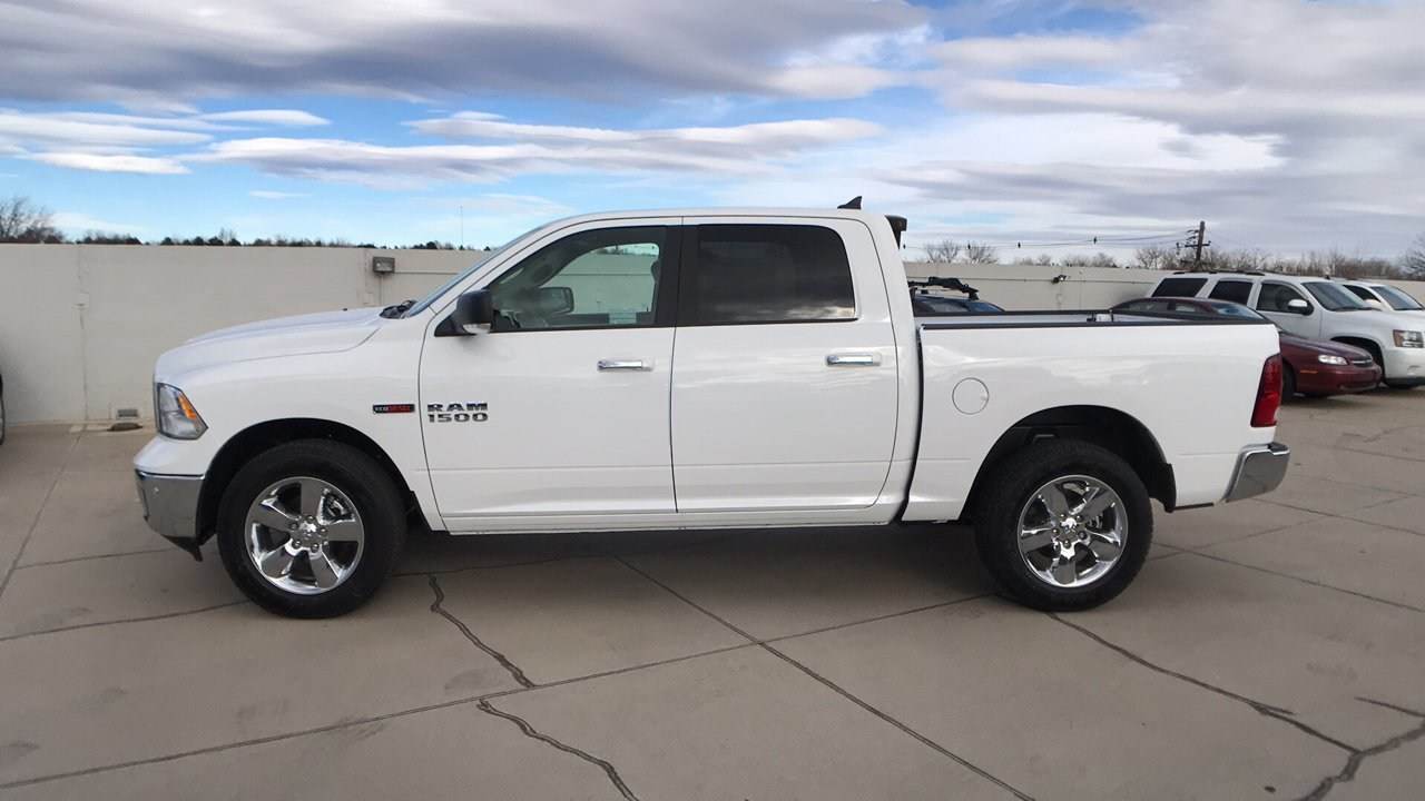 2017 Ram 1500 Crew Cab 4x4, Pickup #15346 - photo 5