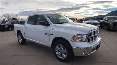 2017 Ram 1500 Crew Cab 4x4, Pickup #15346 - photo 3