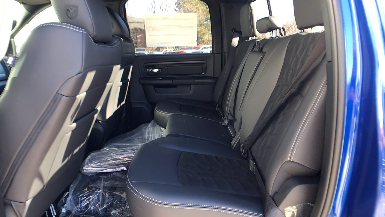 2018 Ram 1500 Crew Cab 4x4 Pickup #15353 - photo 21