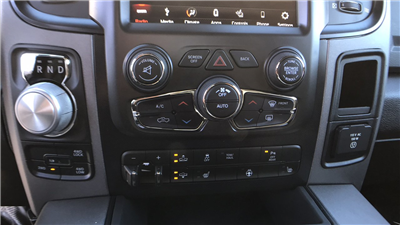 2018 Ram 1500 Crew Cab 4x4 Pickup #15353 - photo 20