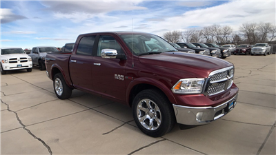 2017 Ram 1500 Crew Cab 4x4, Pickup #15362 - photo 10