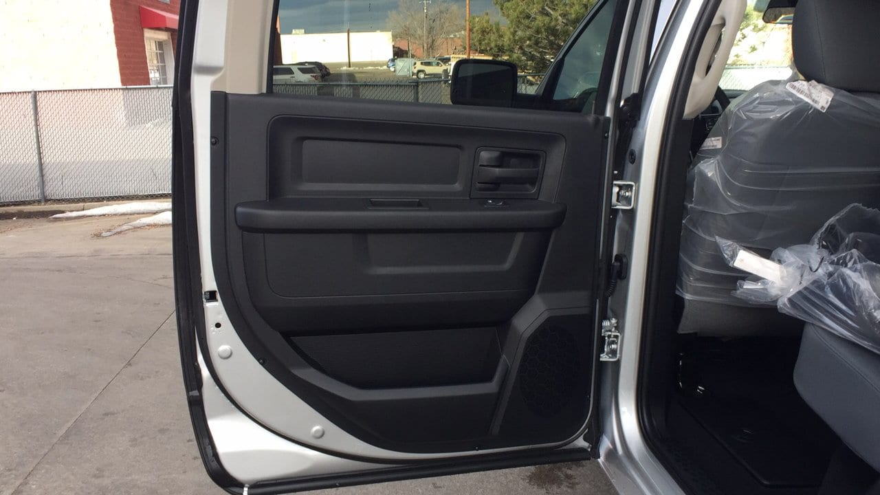 2018 Ram 1500 Crew Cab 4x4, Pickup #15375 - photo 23