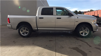 2018 Ram 1500 Crew Cab 4x4, Pickup #15375 - photo 7