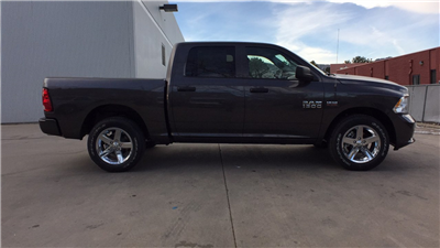 2018 Ram 1500 Crew Cab 4x4, Pickup #15380 - photo 6