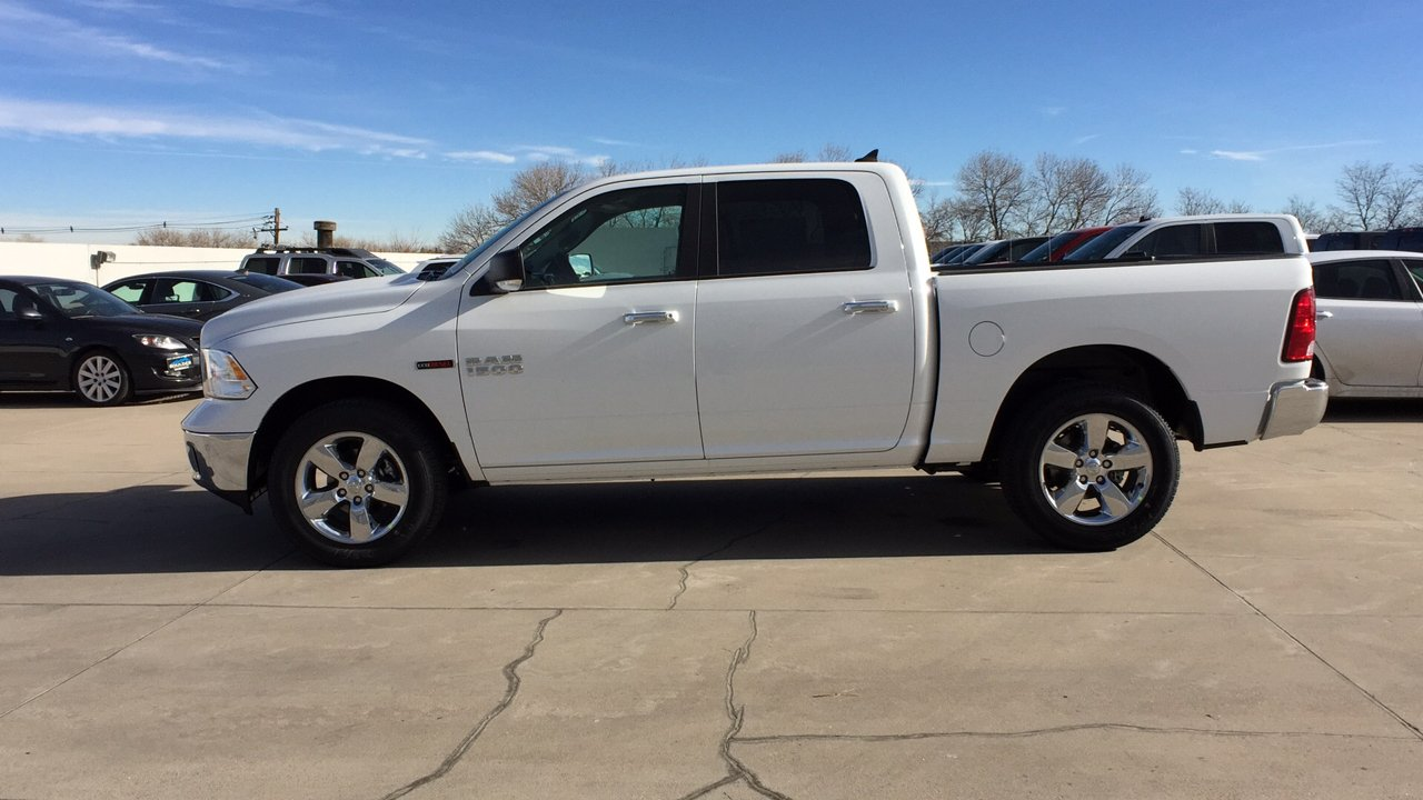 2017 Ram 1500 Crew Cab 4x4,  Pickup #15384 - photo 3