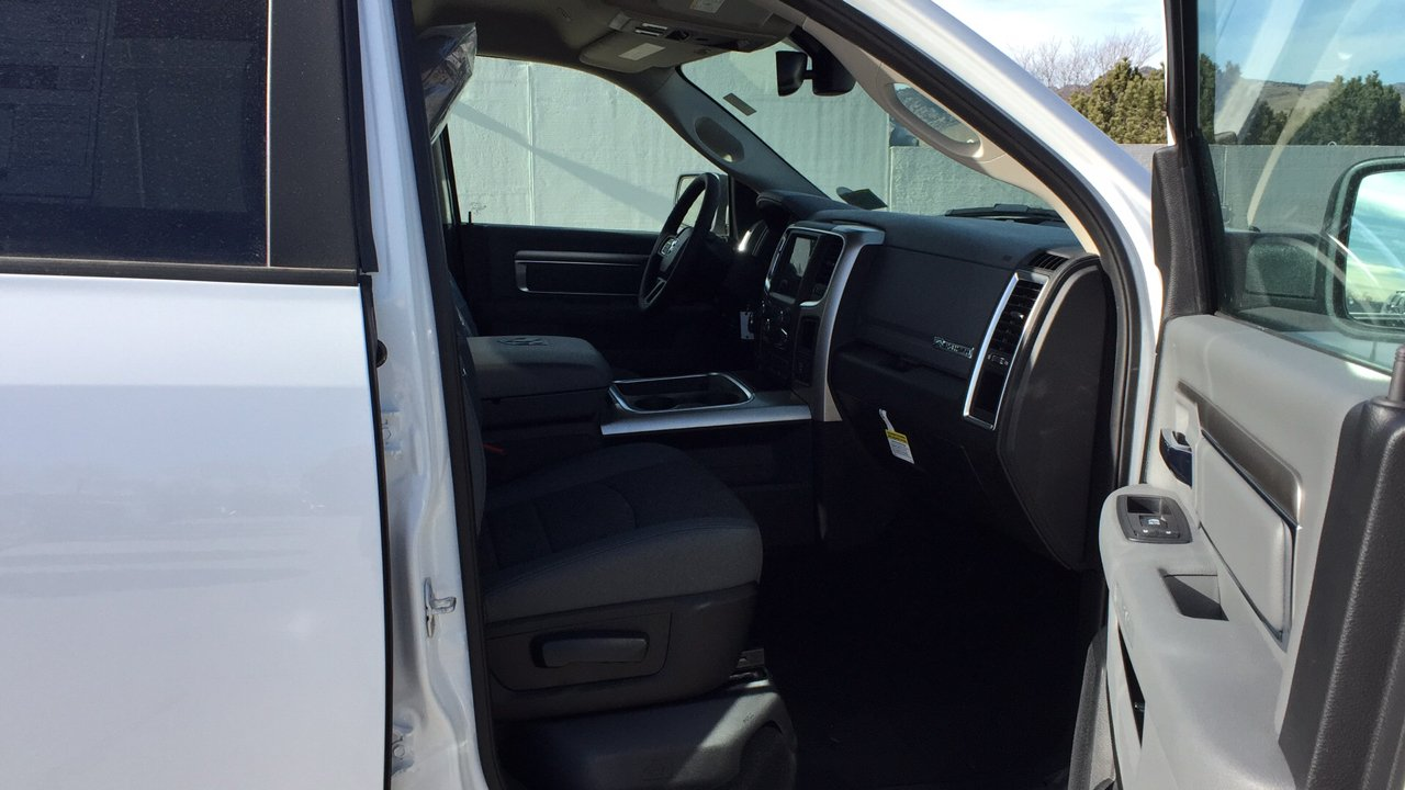 2017 Ram 1500 Crew Cab 4x4,  Pickup #15384 - photo 33