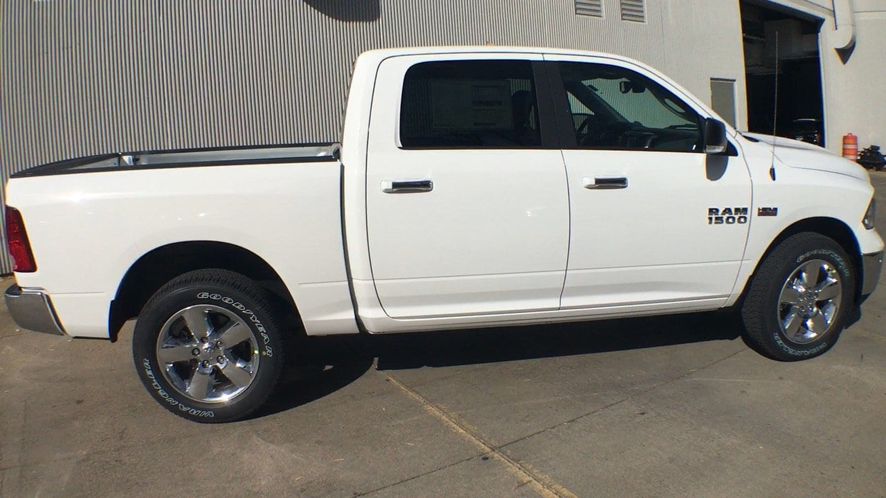 2018 Ram 1500 Crew Cab 4x4, Pickup #15405 - photo 6