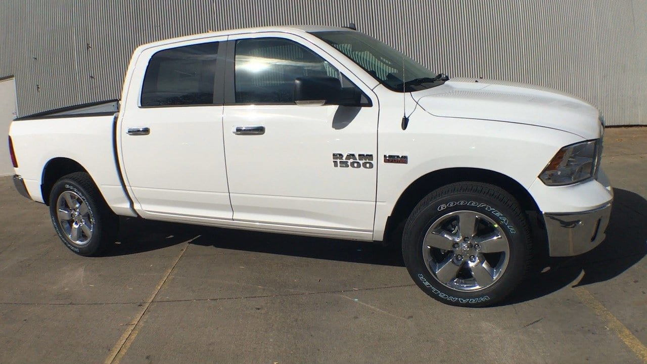 2018 Ram 1500 Crew Cab 4x4, Pickup #15405 - photo 7