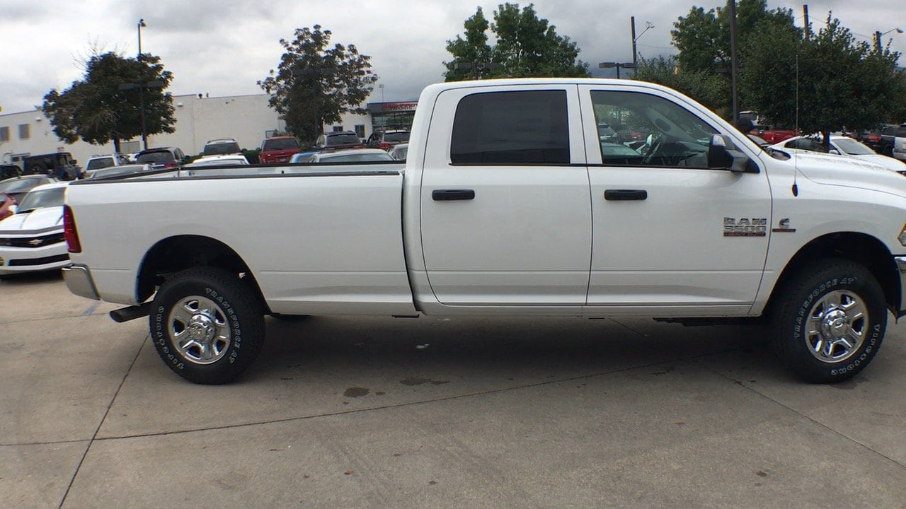 2018 Ram 3500 Crew Cab 4x4,  Pickup #15430 - photo 8