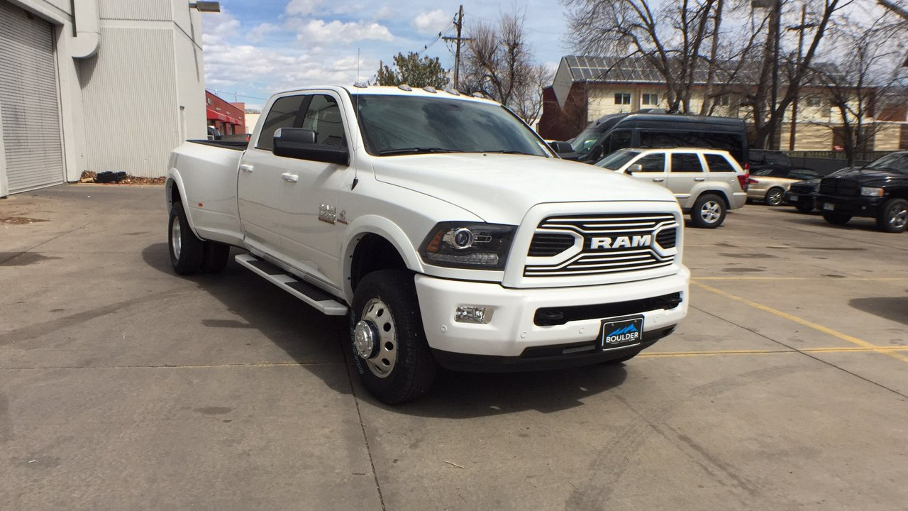 2018 Ram 3500 Crew Cab DRW 4x4, Pickup #15477 - photo 8