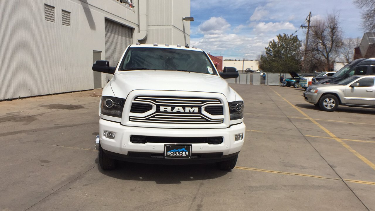 2018 Ram 3500 Crew Cab DRW 4x4, Pickup #15477 - photo 9