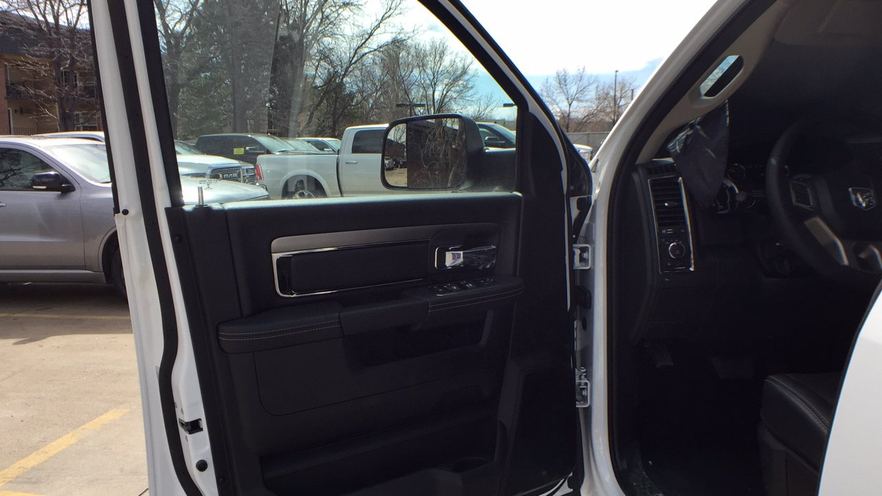 2018 Ram 3500 Crew Cab DRW 4x4, Pickup #15477 - photo 13