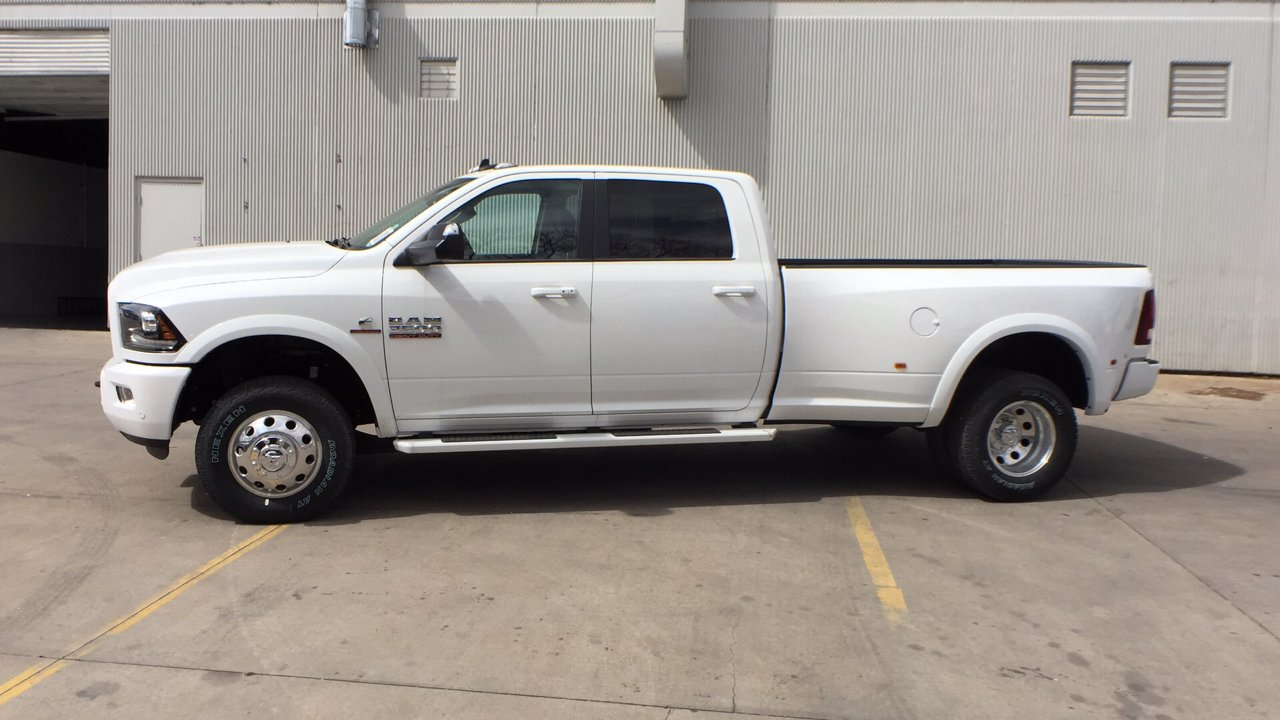 2018 Ram 3500 Crew Cab DRW 4x4, Pickup #15477 - photo 4