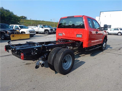 2017 F-350 Super Cab DRW 4x4 Cab Chassis #17424 - photo 2