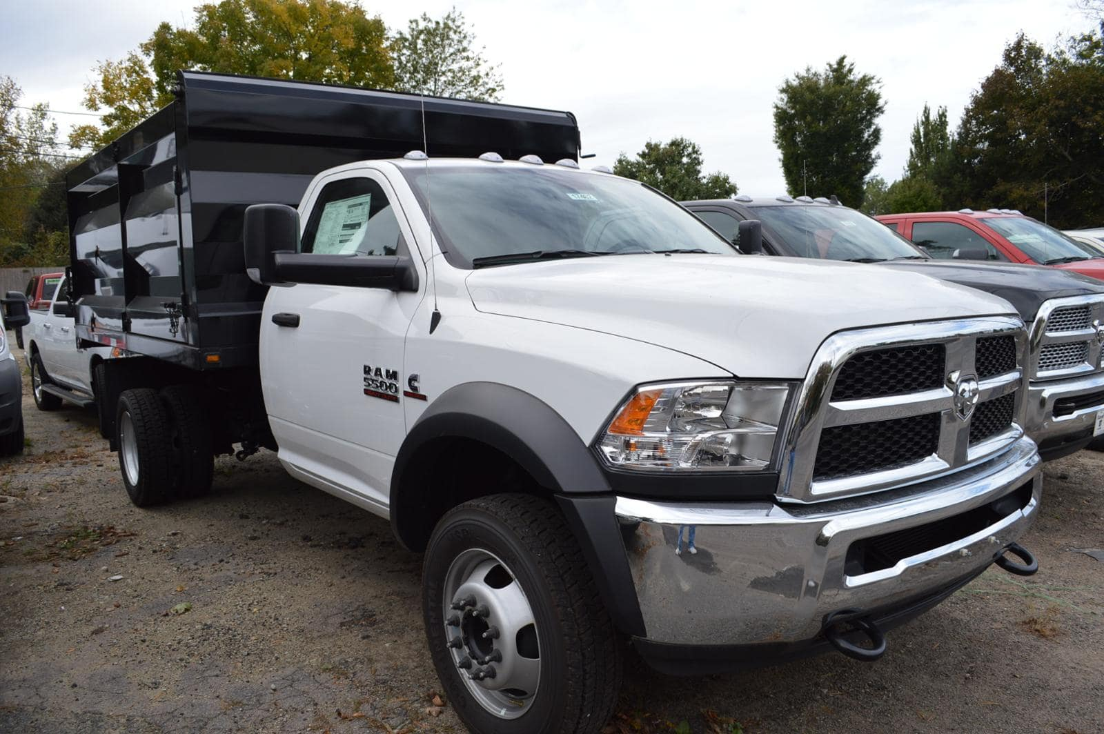 2017 Ram 5500 Regular Cab DRW 4x4, Rugby Landscape Dump #17462 - photo 3