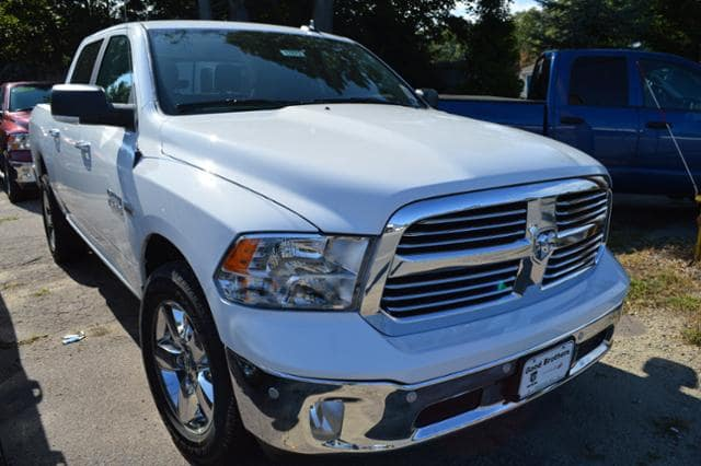 2017 Ram 1500 Crew Cab 4x4, Pickup #17672 - photo 4